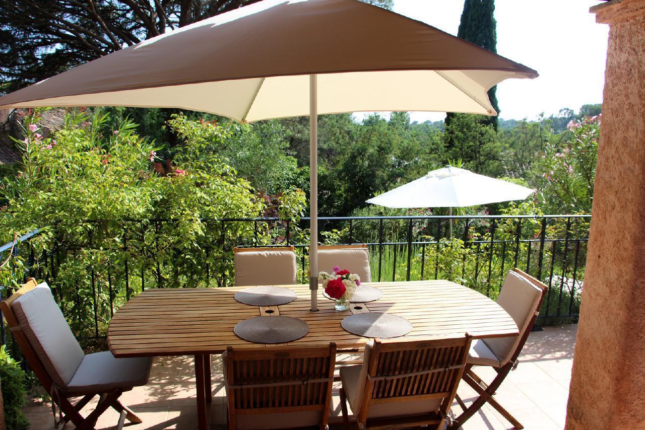 Ferienhaus Charmante Villa mit Pool und drei Schlafzimmern auf Golfplatz in Strandnähe (2060653), Saint Raphaël, Côte d'Azur, Provence - Alpen - Côte d'Azur, Frankreich, Bild 27
