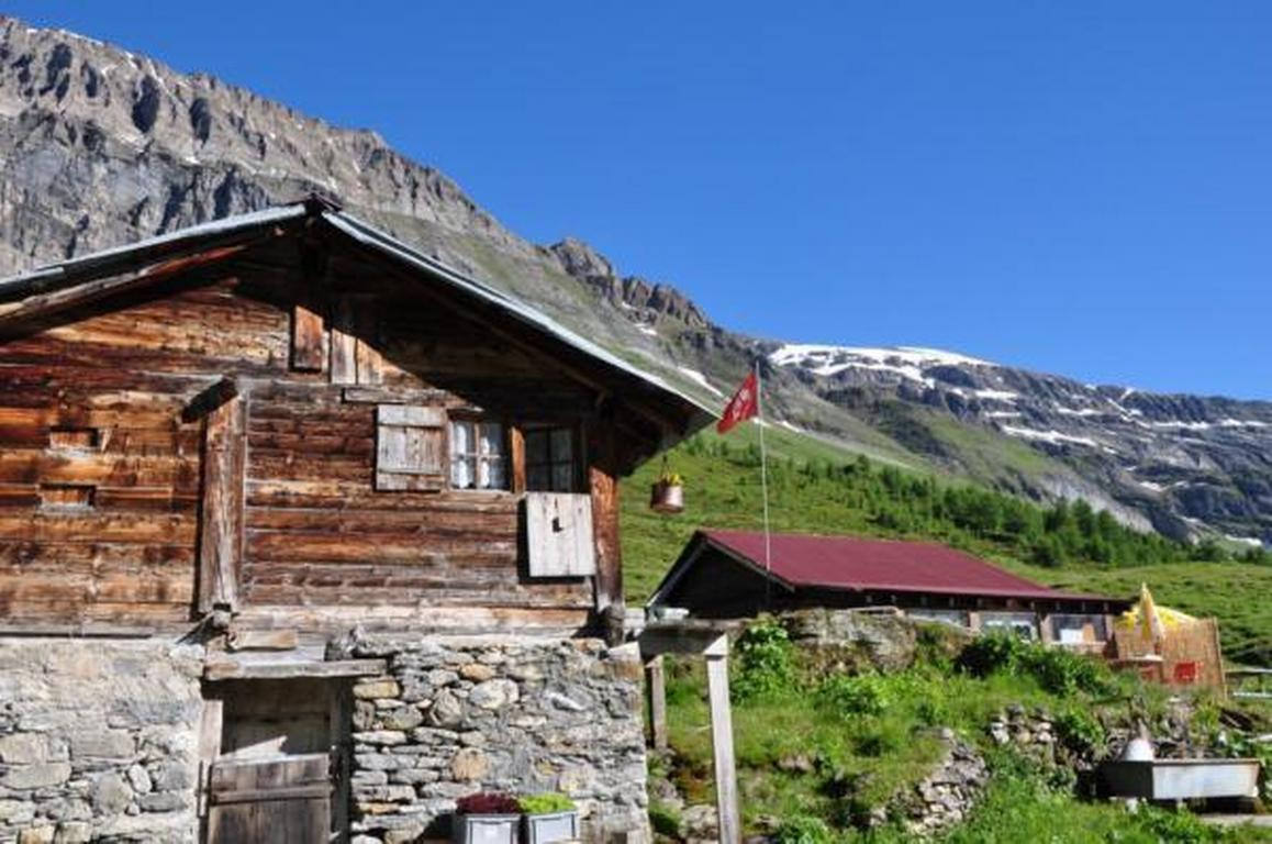 Zimmer in uriger rustikalen Alphütte auf bewi Hütte
