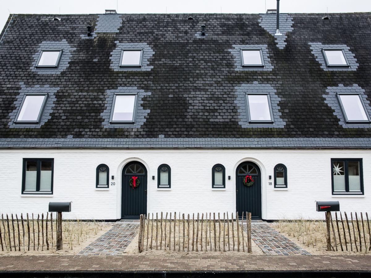 Elegantes Ferienhaus an den Dünen mit 500 m&s Ferienhaus in Deutschland