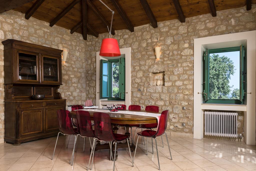 Ferienhaus Geräumiges Steinhaus mit Infinity-Pool & atemberaubender Aussicht (2185488), Githio, , Peloponnes, Griechenland, Bild 13