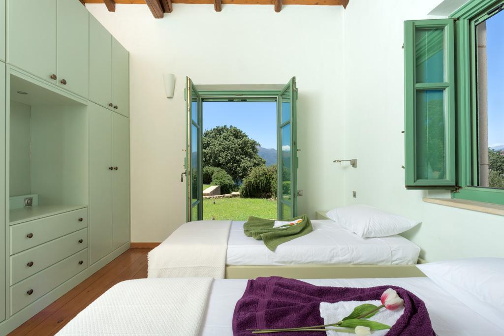 Ferienhaus Geräumiges Steinhaus mit Infinity-Pool & atemberaubender Aussicht (2185488), Githio, , Peloponnes, Griechenland, Bild 24