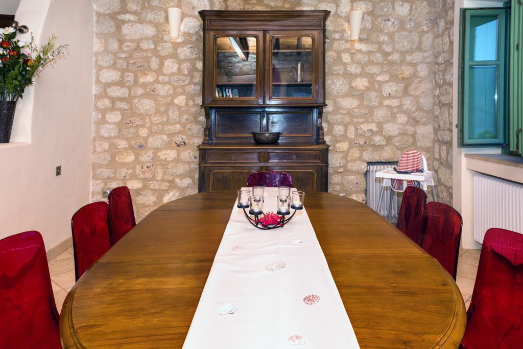 Ferienhaus Geräumiges Steinhaus mit Infinity-Pool & atemberaubender Aussicht (2185488), Githio, , Peloponnes, Griechenland, Bild 14