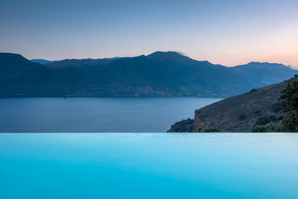 Ferienhaus Geräumiges Steinhaus mit Infinity-Pool & atemberaubender Aussicht (2185488), Githio, , Peloponnes, Griechenland, Bild 1