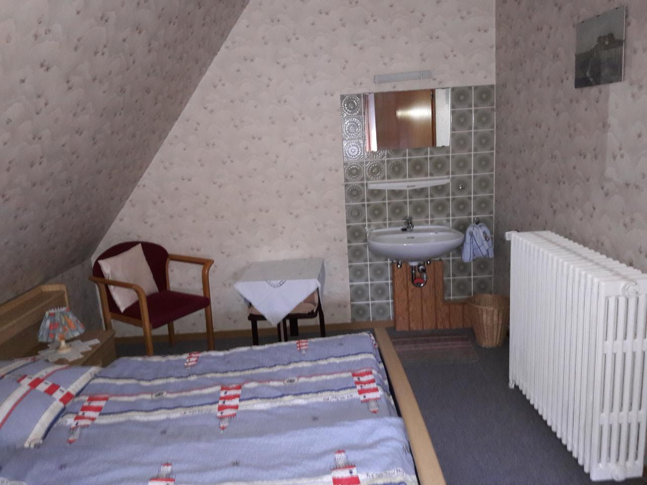 Doppelbett-Schlafzimmer - Möglichkeit für ein Zustellbett (Kleinkind)