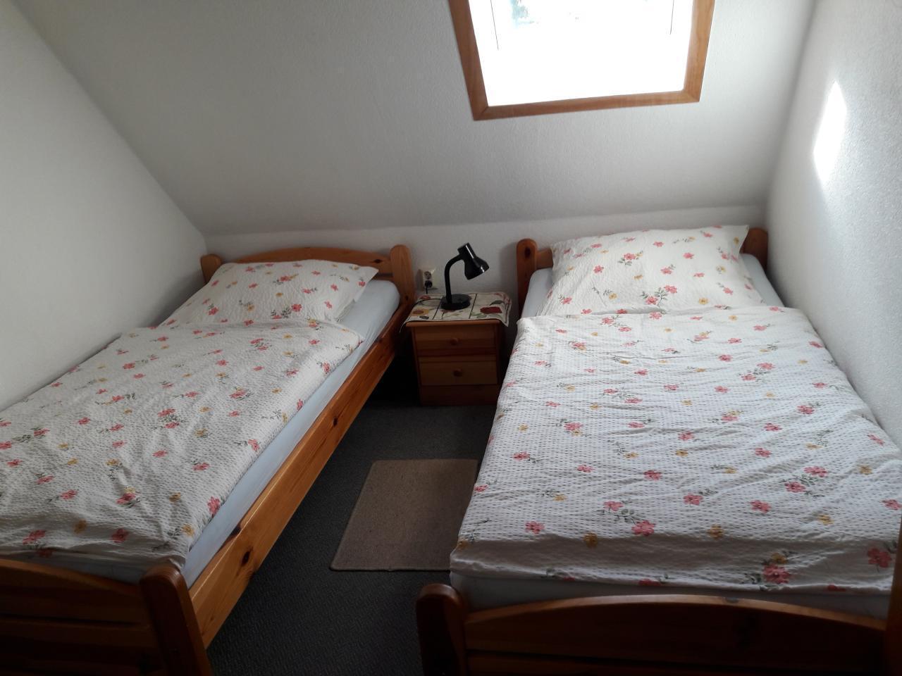 Zwei-Bett-Zimmer