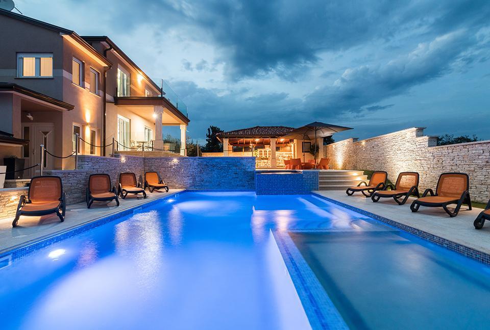 Luxus-Villa Maxima mit großen Pool, Whirpool Villa in Kroatien