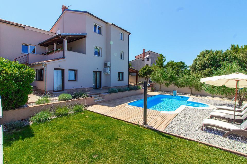 Haus Remi mit privatem Pool und Garten Ferienhaus in Kroatien