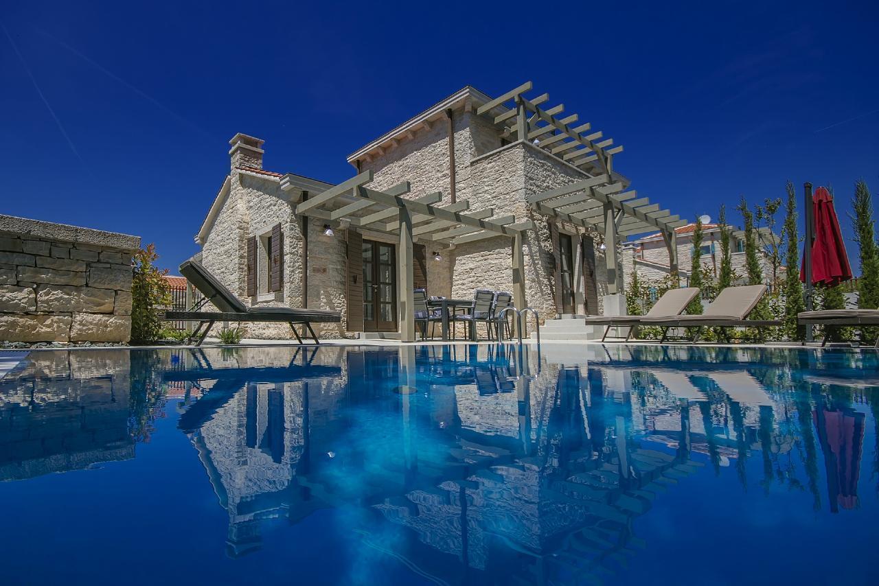 Luxus-Villa Zahara in Li?njan mit privatem Pool Villa in Kroatien