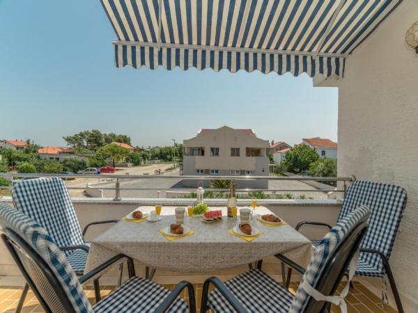 Ferienwohnung Apartment Stipe 2 + 2, nur 200 m vom Sandstrand entfernt (2319172), Privlaka, , Dalmatien, Kroatien, Bild 1