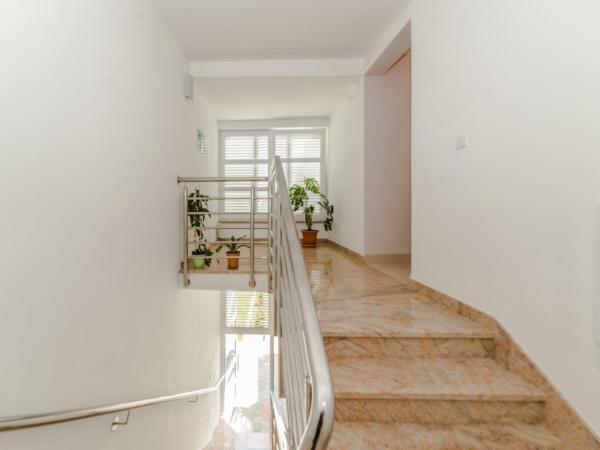 Ferienwohnung Apartment Stipe 2 + 2, nur 200 m vom Sandstrand entfernt (2319172), Privlaka, , Dalmatien, Kroatien, Bild 5