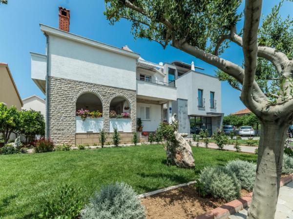 Ferienwohnung Apartment Stipe 2 + 2, nur 200 m vom Sandstrand entfernt (2319172), Privlaka, , Dalmatien, Kroatien, Bild 3