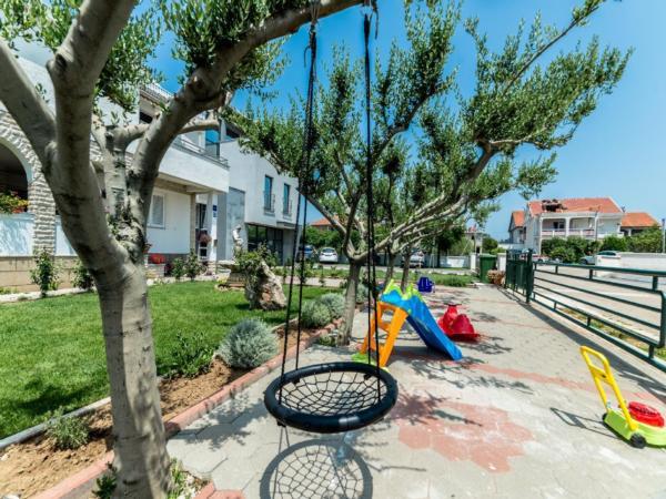 Ferienwohnung Apartment Stipe 2 + 2, nur 200 m vom Sandstrand entfernt (2319172), Privlaka, , Dalmatien, Kroatien, Bild 4