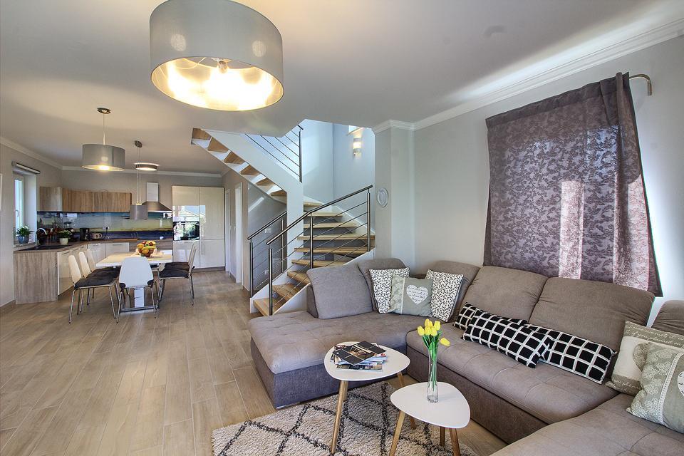 Ferienhaus Schöne Villa mit 2 privaten Pools, 6 Schlafzimmern, 6 Badezimmern, 2 km vom Strand entfern (2329516), Mugeba, , Istrien, Kroatien, Bild 36