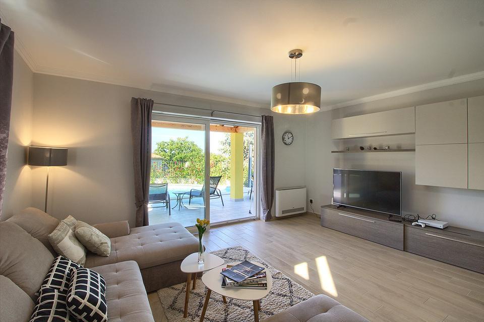 Ferienhaus Schöne Villa mit 2 privaten Pools, 6 Schlafzimmern, 6 Badezimmern, 2 km vom Strand entfern (2329516), Mugeba, , Istrien, Kroatien, Bild 42