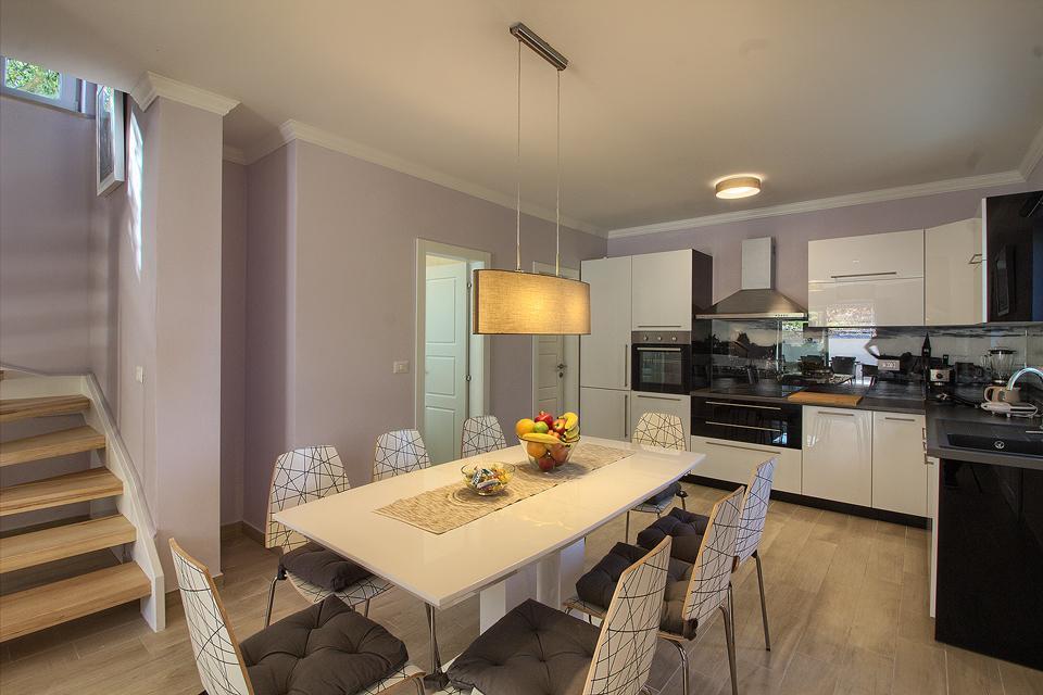 Ferienhaus Schöne Villa mit 2 privaten Pools, 6 Schlafzimmern, 6 Badezimmern, 2 km vom Strand entfern (2329516), Mugeba, , Istrien, Kroatien, Bild 11