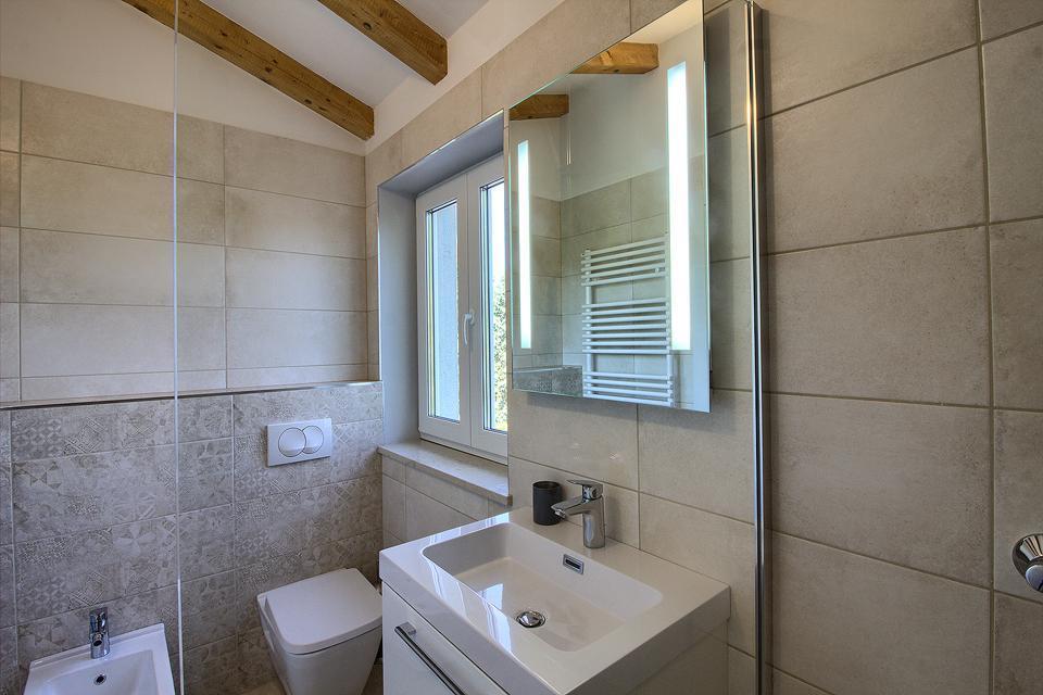 Ferienhaus Schöne Villa mit 2 privaten Pools, 6 Schlafzimmern, 6 Badezimmern, 2 km vom Strand entfern (2329516), Mugeba, , Istrien, Kroatien, Bild 47