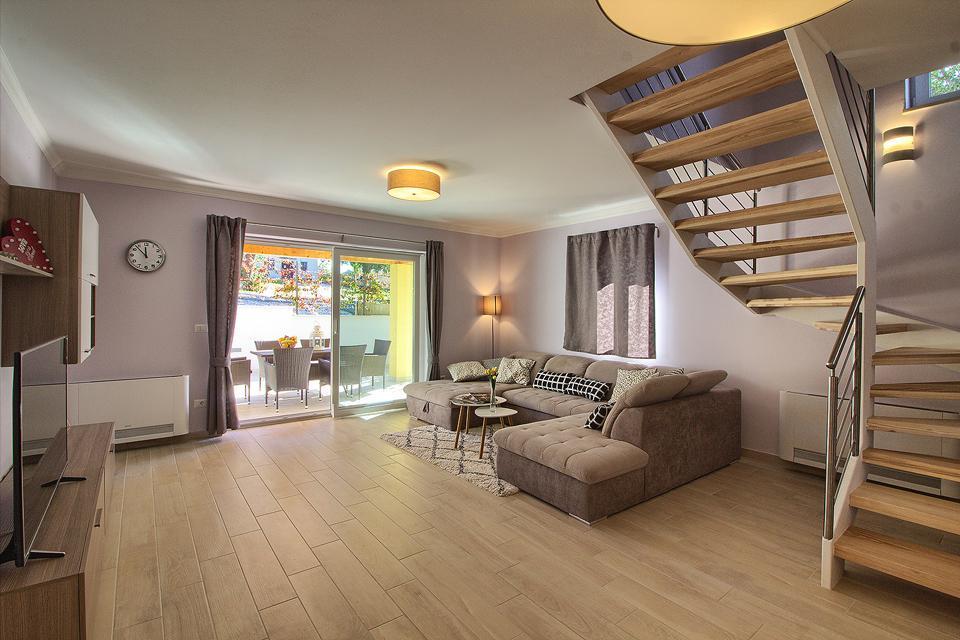 Ferienhaus Schöne Villa mit 2 privaten Pools, 6 Schlafzimmern, 6 Badezimmern, 2 km vom Strand entfern (2329516), Mugeba, , Istrien, Kroatien, Bild 30
