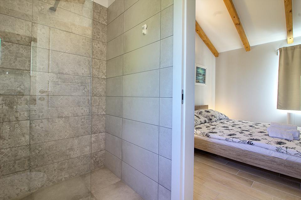 Ferienhaus Schöne Villa mit 2 privaten Pools, 6 Schlafzimmern, 6 Badezimmern, 2 km vom Strand entfern (2329516), Mugeba, , Istrien, Kroatien, Bild 25