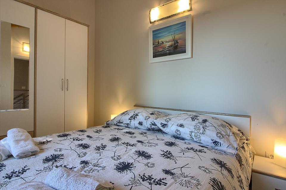 Ferienhaus Schöne Villa mit 2 privaten Pools, 6 Schlafzimmern, 6 Badezimmern, 2 km vom Strand entfern (2329516), Mugeba, , Istrien, Kroatien, Bild 18