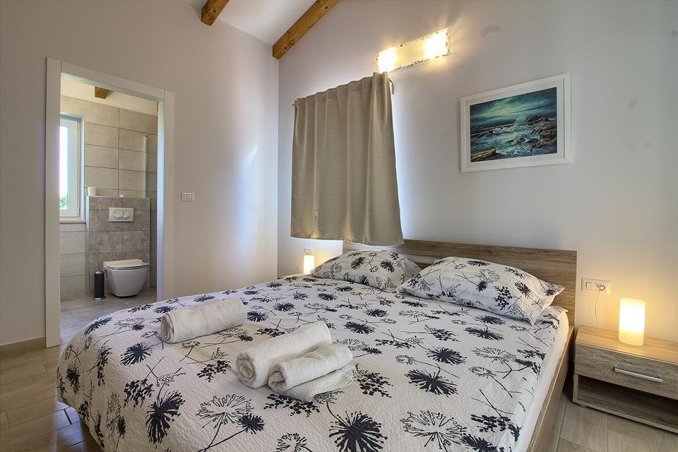 Ferienhaus Schöne Villa mit 2 privaten Pools, 6 Schlafzimmern, 6 Badezimmern, 2 km vom Strand entfern (2329516), Mugeba, , Istrien, Kroatien, Bild 22