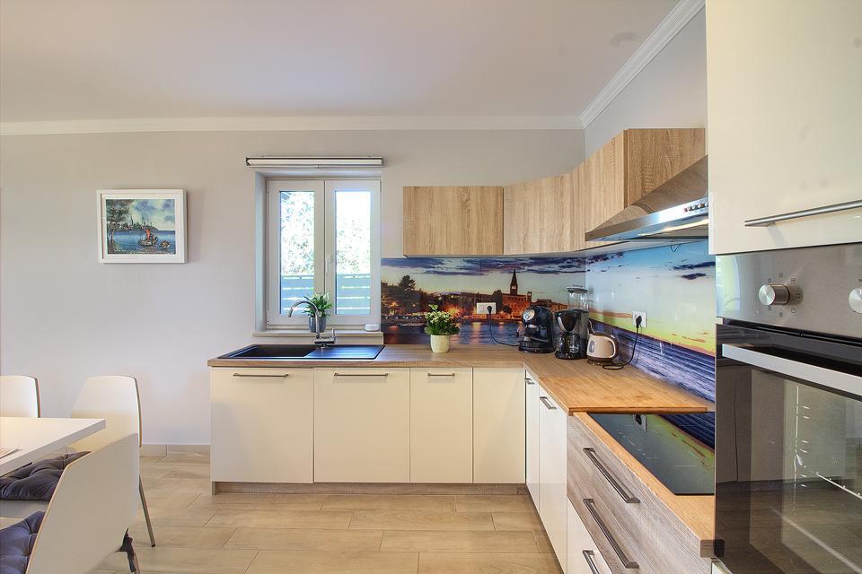 Ferienhaus Schöne Villa mit 2 privaten Pools, 6 Schlafzimmern, 6 Badezimmern, 2 km vom Strand entfern (2329516), Mugeba, , Istrien, Kroatien, Bild 39