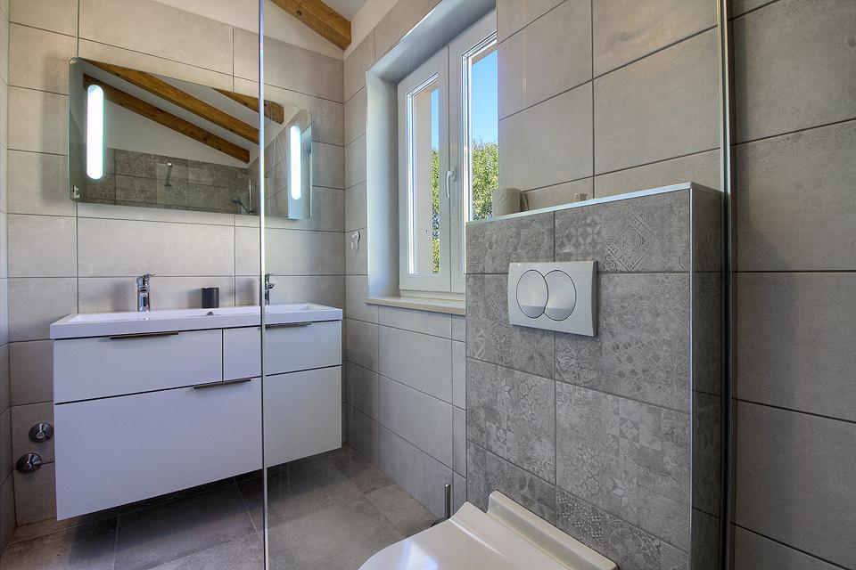 Ferienhaus Schöne Villa mit 2 privaten Pools, 6 Schlafzimmern, 6 Badezimmern, 2 km vom Strand entfern (2329516), Mugeba, , Istrien, Kroatien, Bild 24