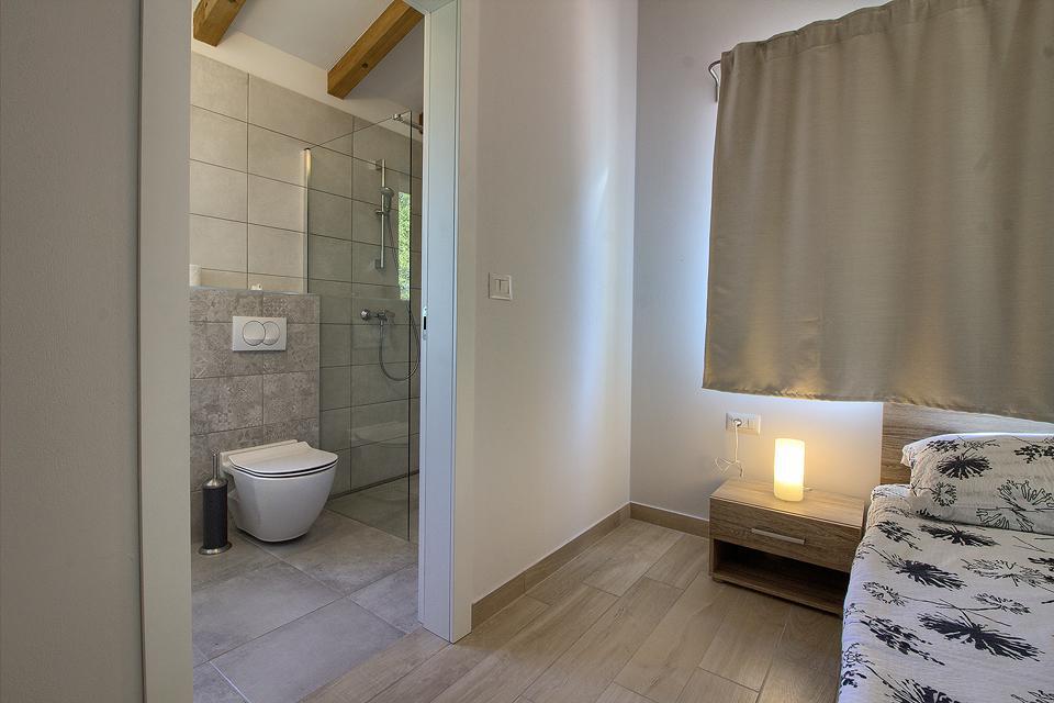 Ferienhaus Schöne Villa mit 2 privaten Pools, 6 Schlafzimmern, 6 Badezimmern, 2 km vom Strand entfern (2329516), Mugeba, , Istrien, Kroatien, Bild 23