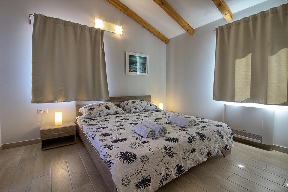 Ferienhaus Schöne Villa mit 2 privaten Pools, 6 Schlafzimmern, 6 Badezimmern, 2 km vom Strand entfern (2329516), Mugeba, , Istrien, Kroatien, Bild 21