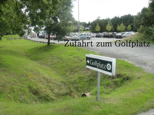 Einfahrt zum Golfplatz Lütetsburg