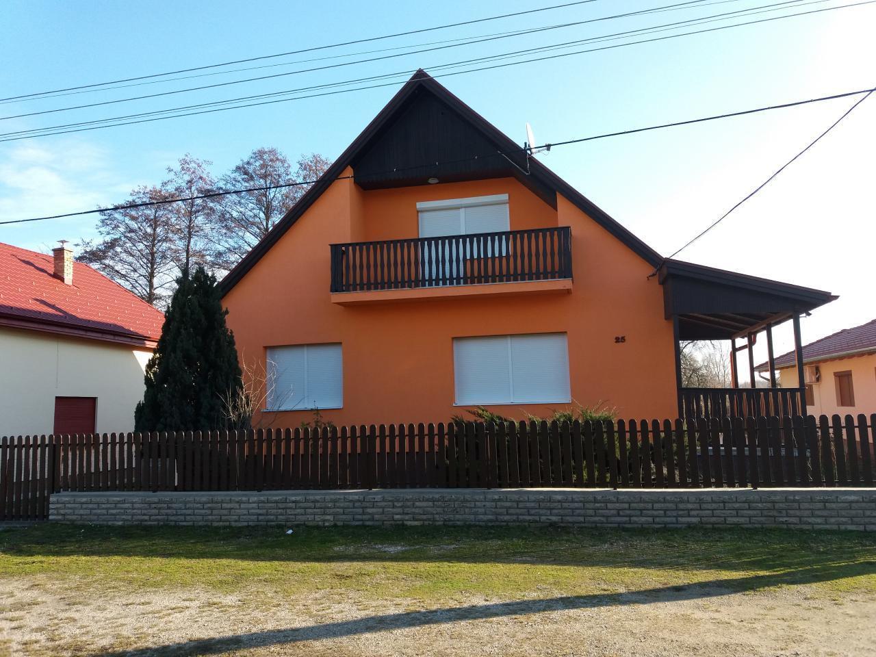 FO 366 Praktisch eingerichtetes Ferienhaus für 2 3 Personen in Fonyód nur 600 m vom Balaton