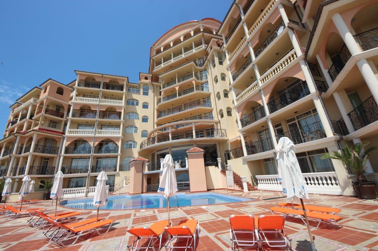 Atrium Beach B403 Elenite Eine 2 Zimmer Wohnung mit Meerblick für 4 Personen