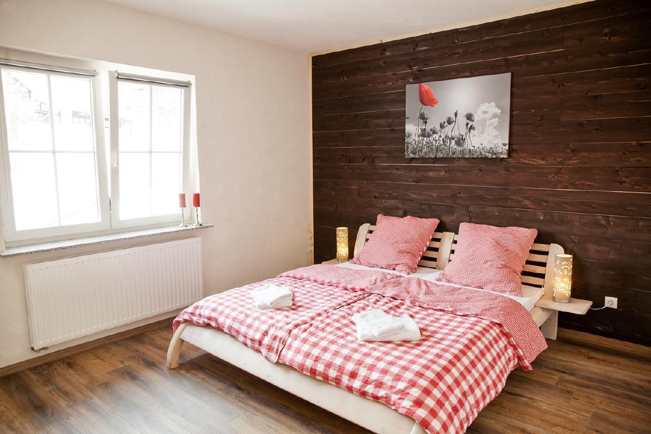 ferienwohnung homberg. Black Bedroom Furniture Sets. Home Design Ideas