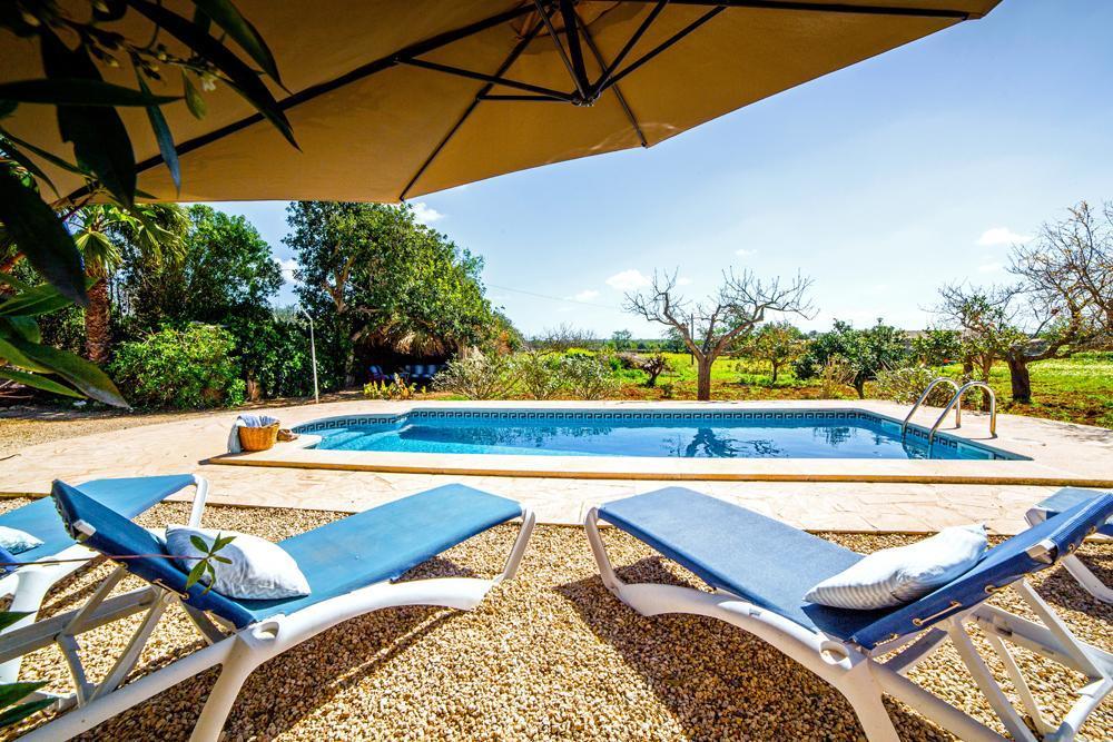 FINCA CAMPINO romantische Poolfinca auf dem Land mit Patio und Garten bei Es Llombards