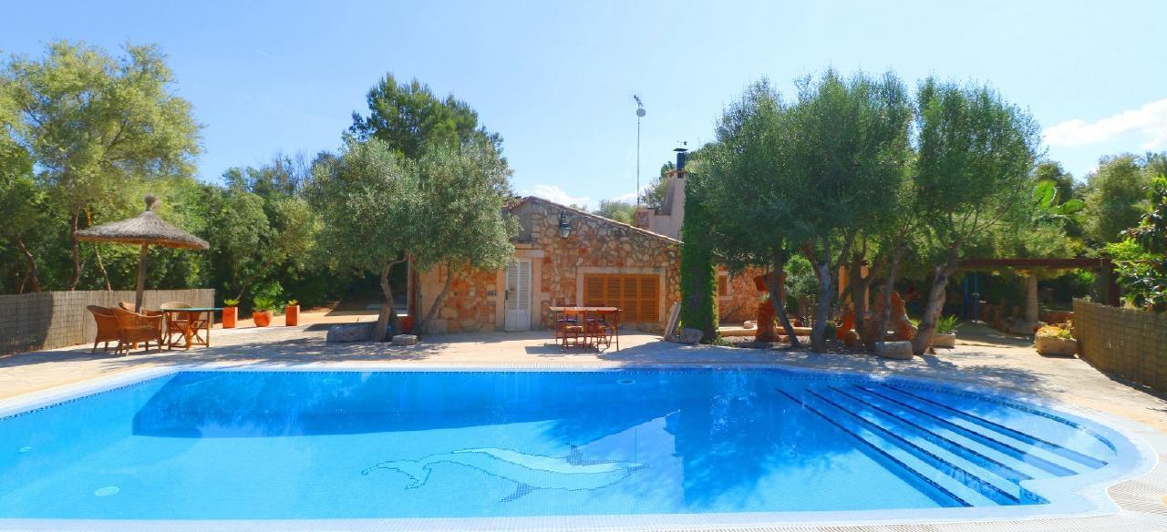 Finca Alfabia kleine Poolfinca für 2 3 Personen auf großem Grundstück