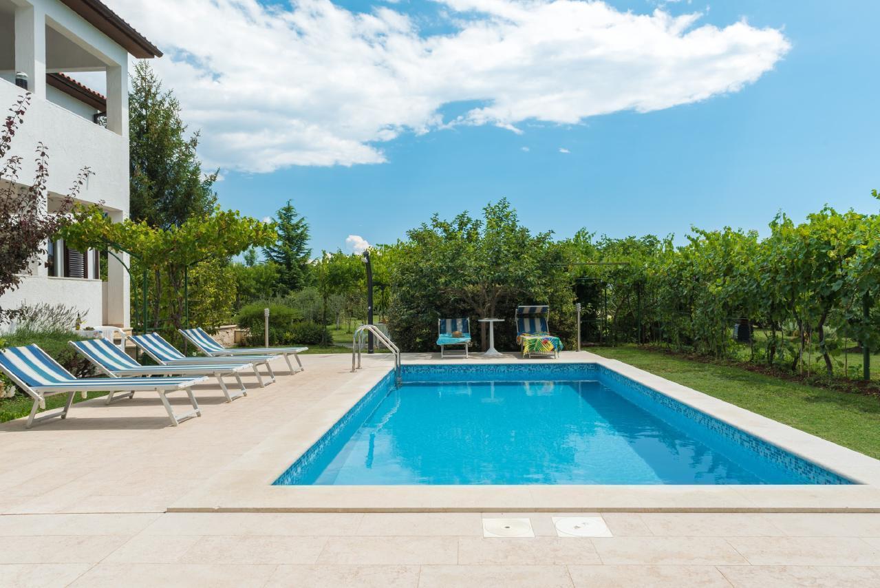 Haus Catharina - bis 7 Personen mit Pool Ferienwohnung in Kroatien