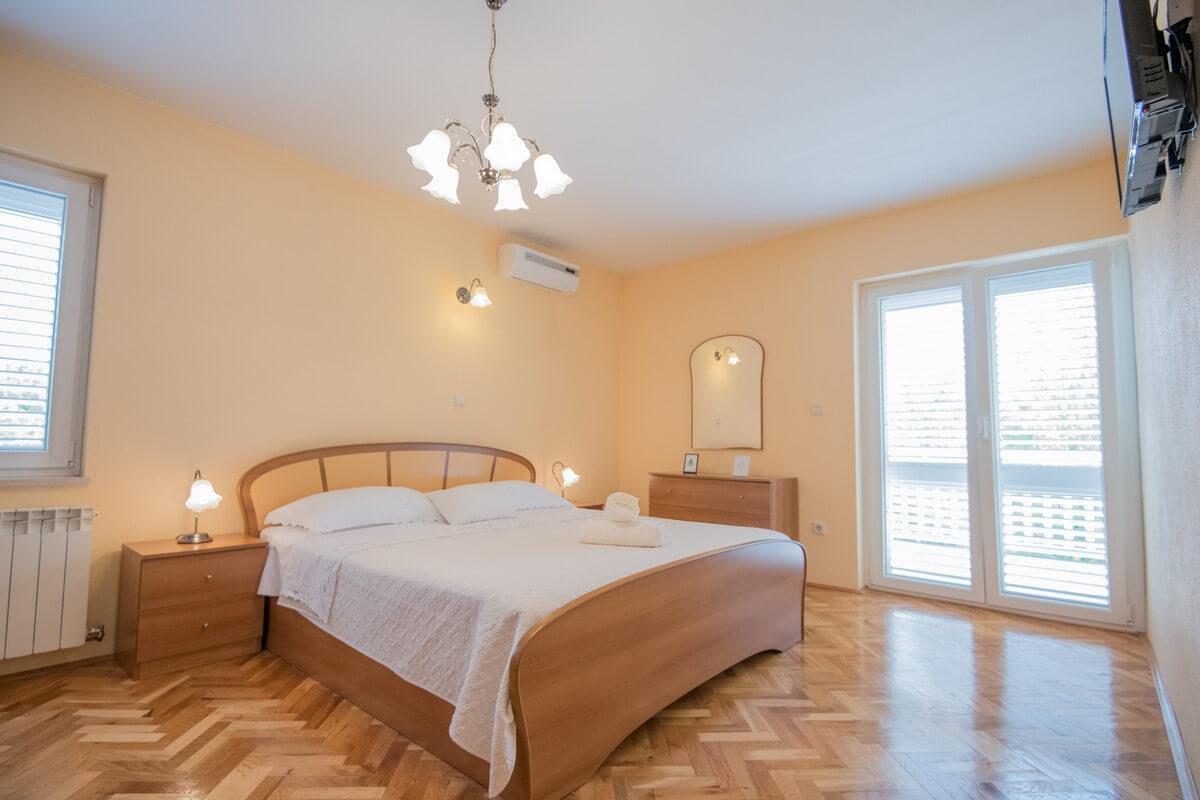 Ferienhaus Schönes Familienferienhaus mit Pool und Fitnessstudio in der Nähe von Makarska (2520570), Kamenmost, , Dalmatien, Kroatien, Bild 10