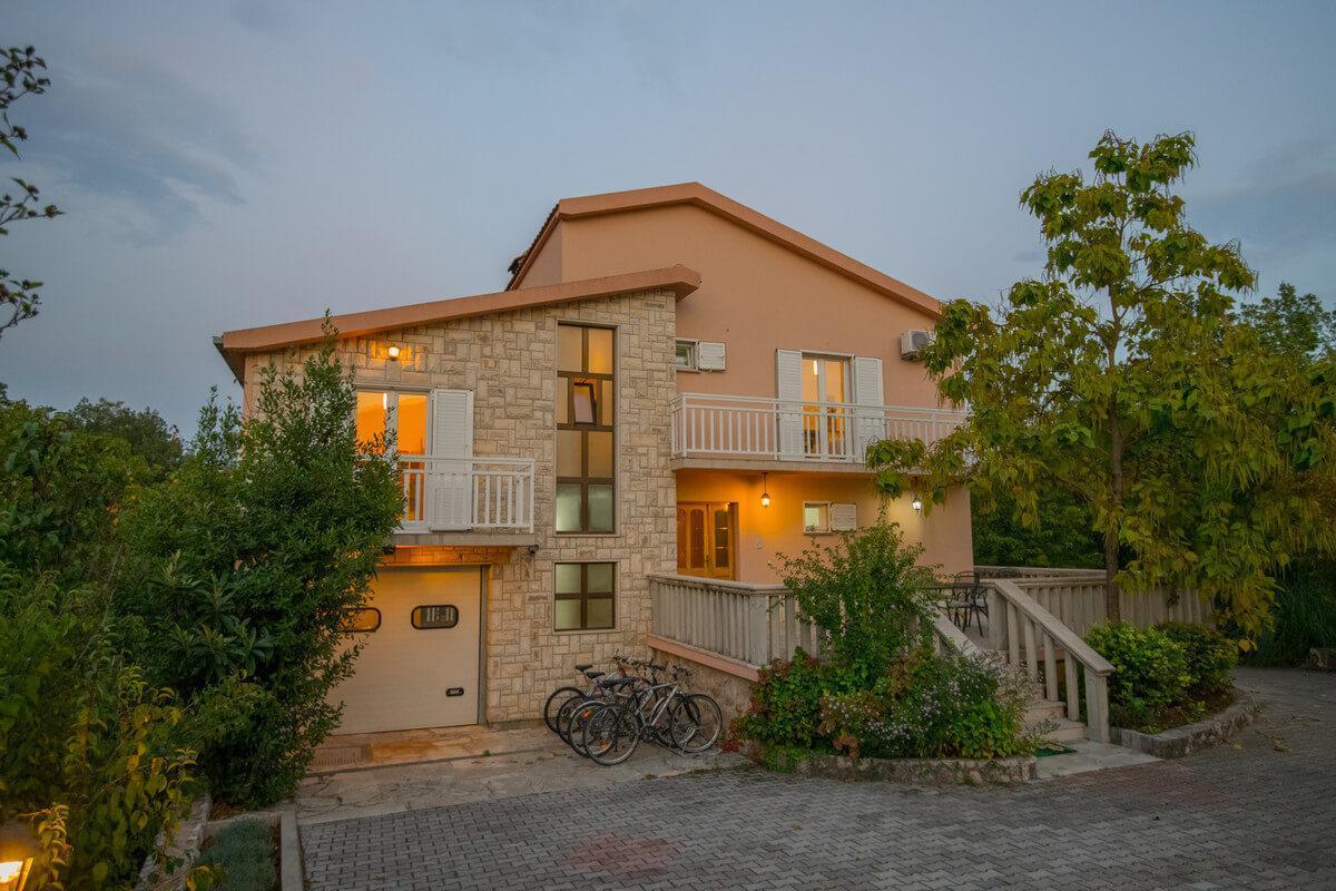 Ferienhaus Schönes Familienferienhaus mit Pool und Fitnessstudio in der Nähe von Makarska (2520570), Kamenmost, , Dalmatien, Kroatien, Bild 24