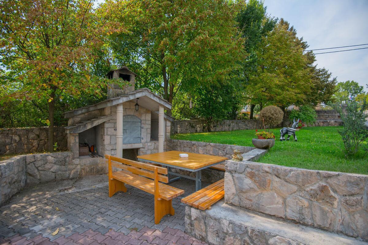 Ferienhaus Schönes Familienferienhaus mit Pool und Fitnessstudio in der Nähe von Imotski (2520570), Kamenmost, , Dalmatien, Kroatien, Bild 2