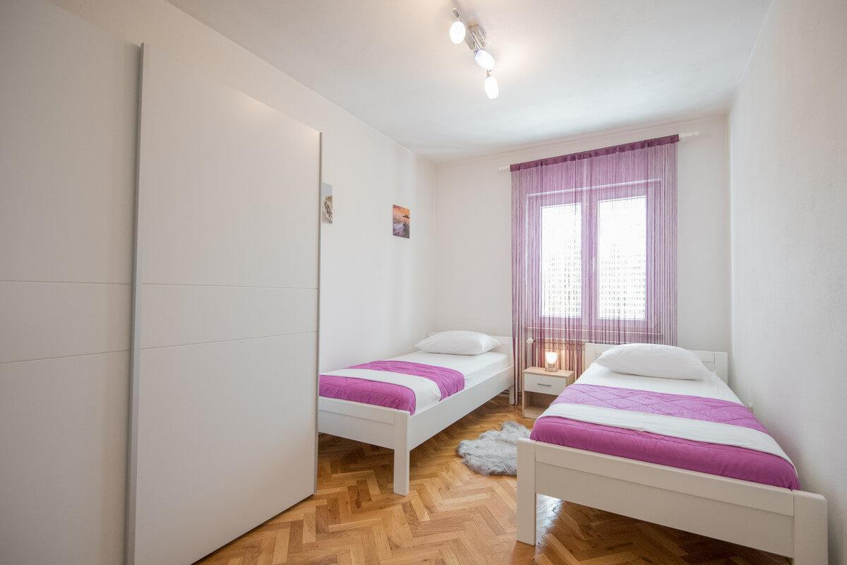Ferienhaus Schönes Familienferienhaus mit Pool und Fitnessstudio in der Nähe von Makarska (2520570), Kamenmost, , Dalmatien, Kroatien, Bild 17