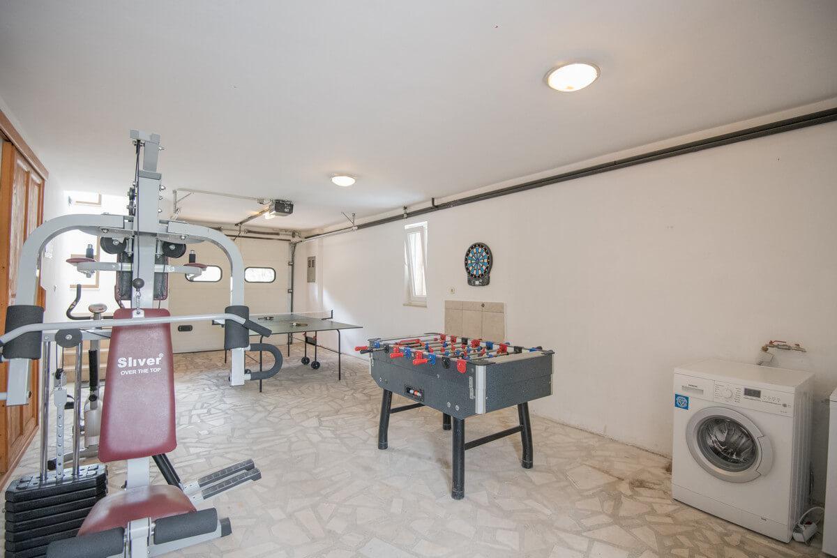 Ferienhaus Schönes Familienferienhaus mit Pool und Fitnessstudio in der Nähe von Makarska (2520570), Kamenmost, , Dalmatien, Kroatien, Bild 22