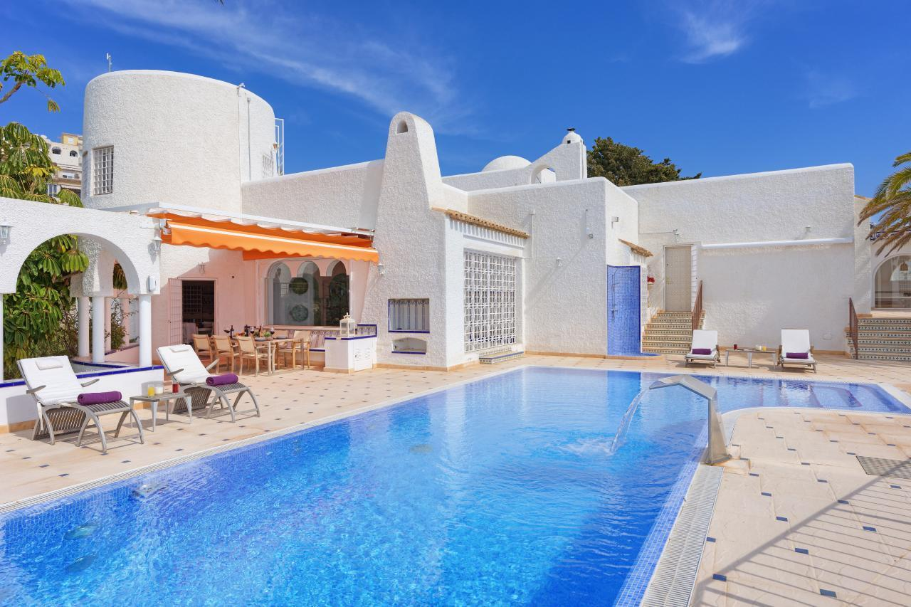 """Exklusive Poolvilla """"Scheherezade"""" direk Ferienhaus in Spanien"""