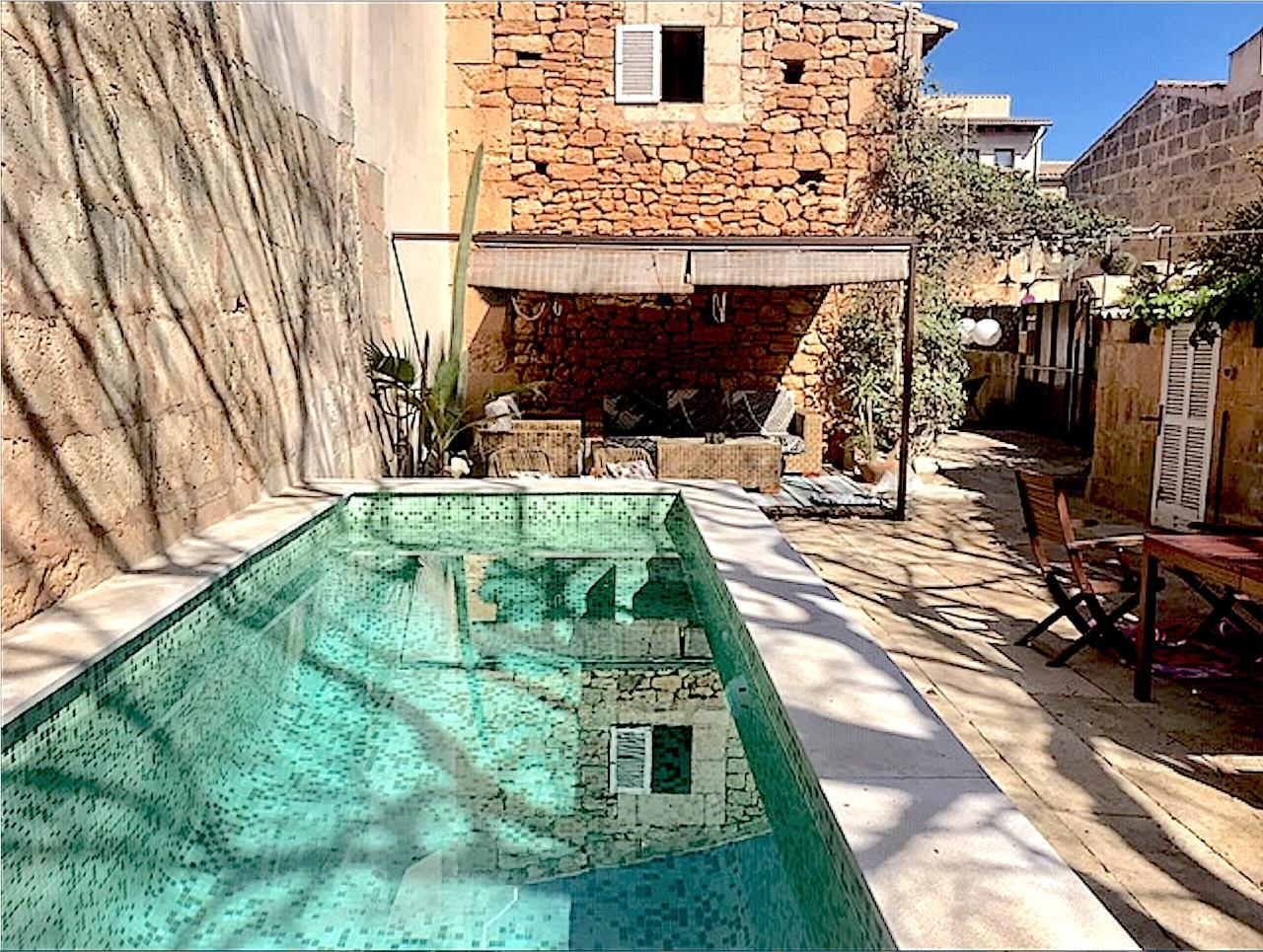 CASA CONCHA SES SALINES romantisches Stadthaus für 4 Personen Pool Patio