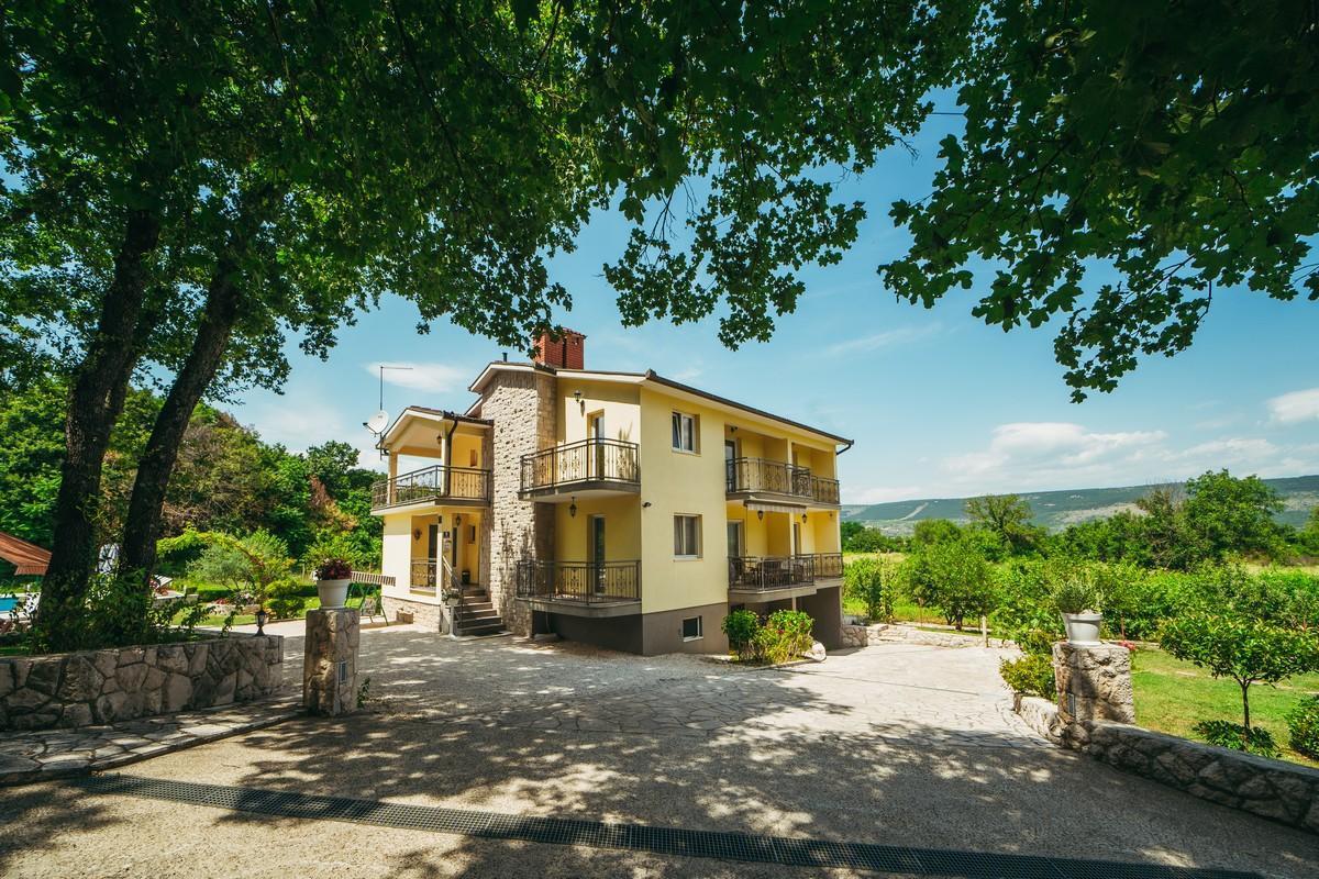 Ferienhaus Familienvilla mit XXL-Pool, Grill, Garten und Spielplatz ganz privat (2573498), Kamenmost, , Dalmatien, Kroatien, Bild 7