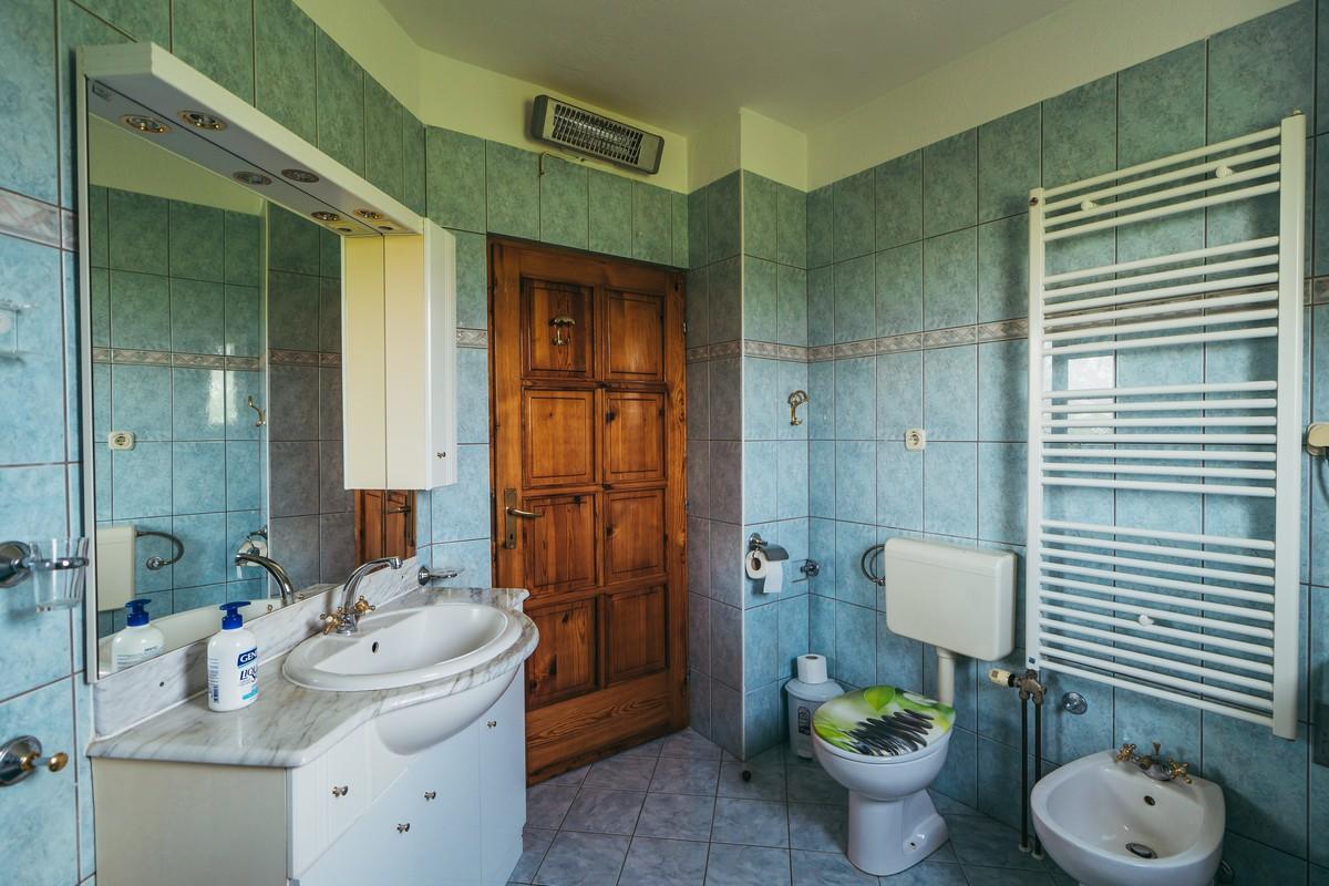 Ferienhaus Familienvilla mit XXL-Pool, Grill, Garten und Spielplatz ganz privat (2573498), Kamenmost, , Dalmatien, Kroatien, Bild 31