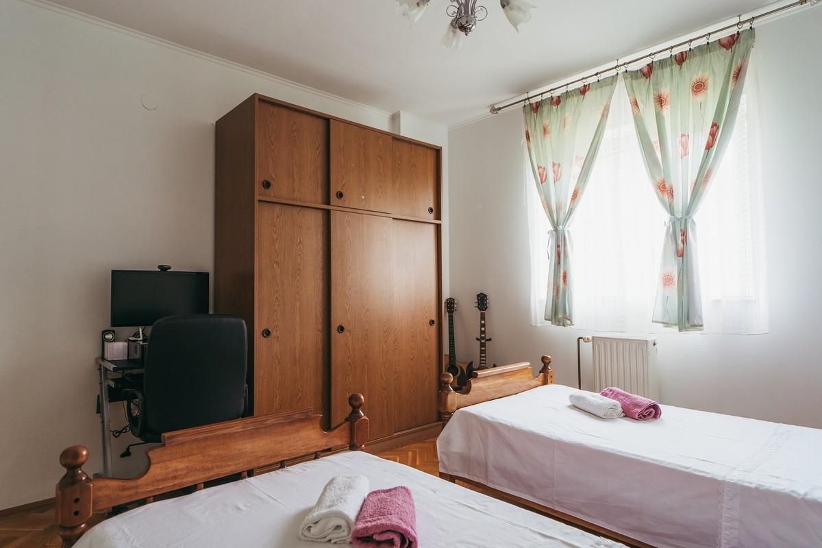 Ferienhaus Familienvilla mit XXL-Pool, Grill, Garten und Spielplatz ganz privat (2573498), Kamenmost, , Dalmatien, Kroatien, Bild 26