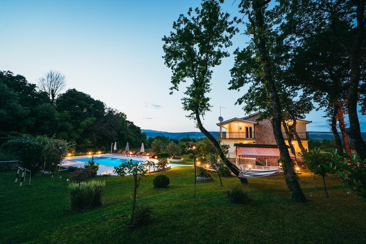 Ferienhaus Familienvilla mit XXL-Pool, Grill, Garten und Spielplatz ganz privat (2573498), Kamenmost, , Dalmatien, Kroatien, Bild 14