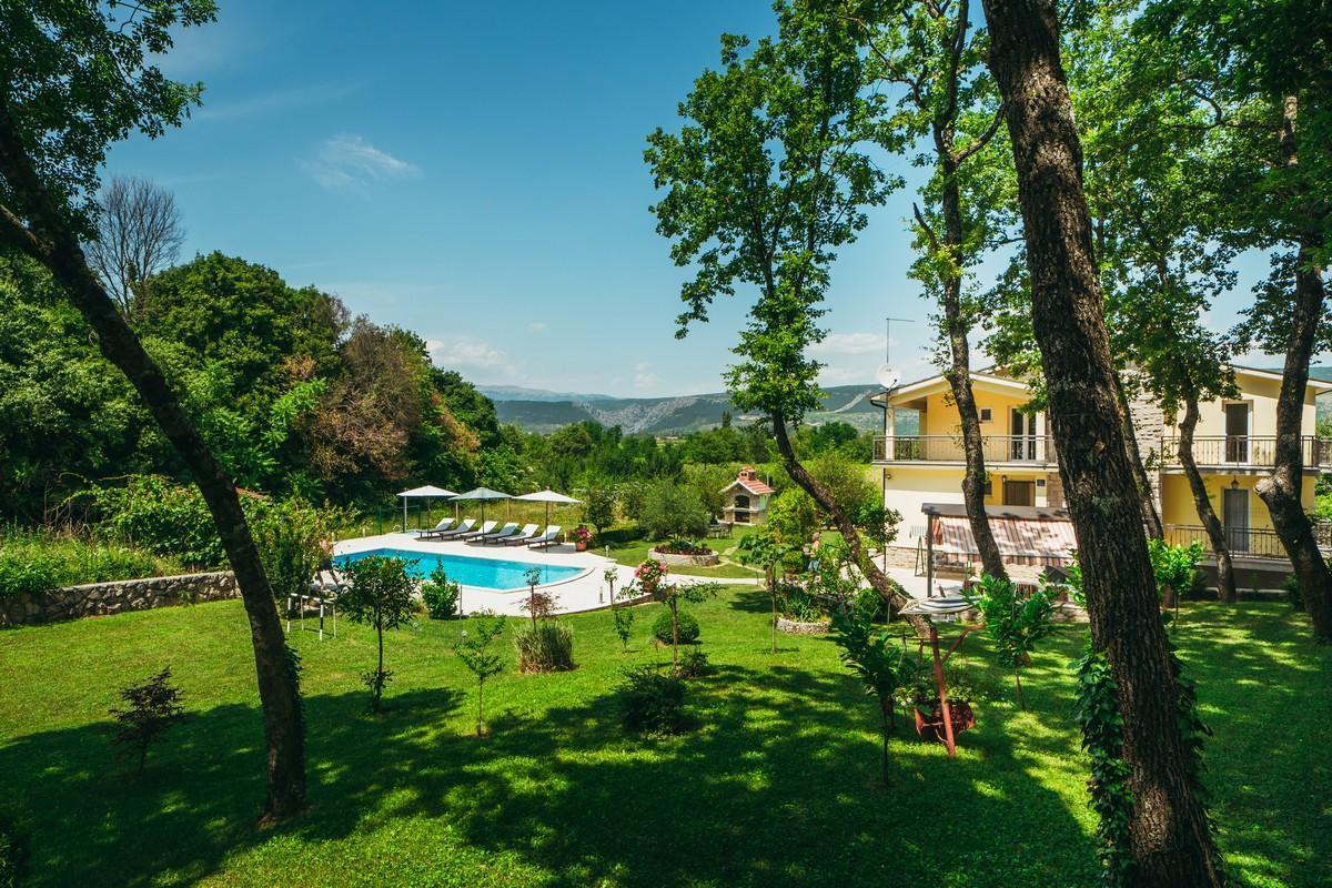 Ferienhaus Familienvilla mit XXL-Pool, Grill, Garten und Spielplatz ganz privat (2573498), Kamenmost, , Dalmatien, Kroatien, Bild 5