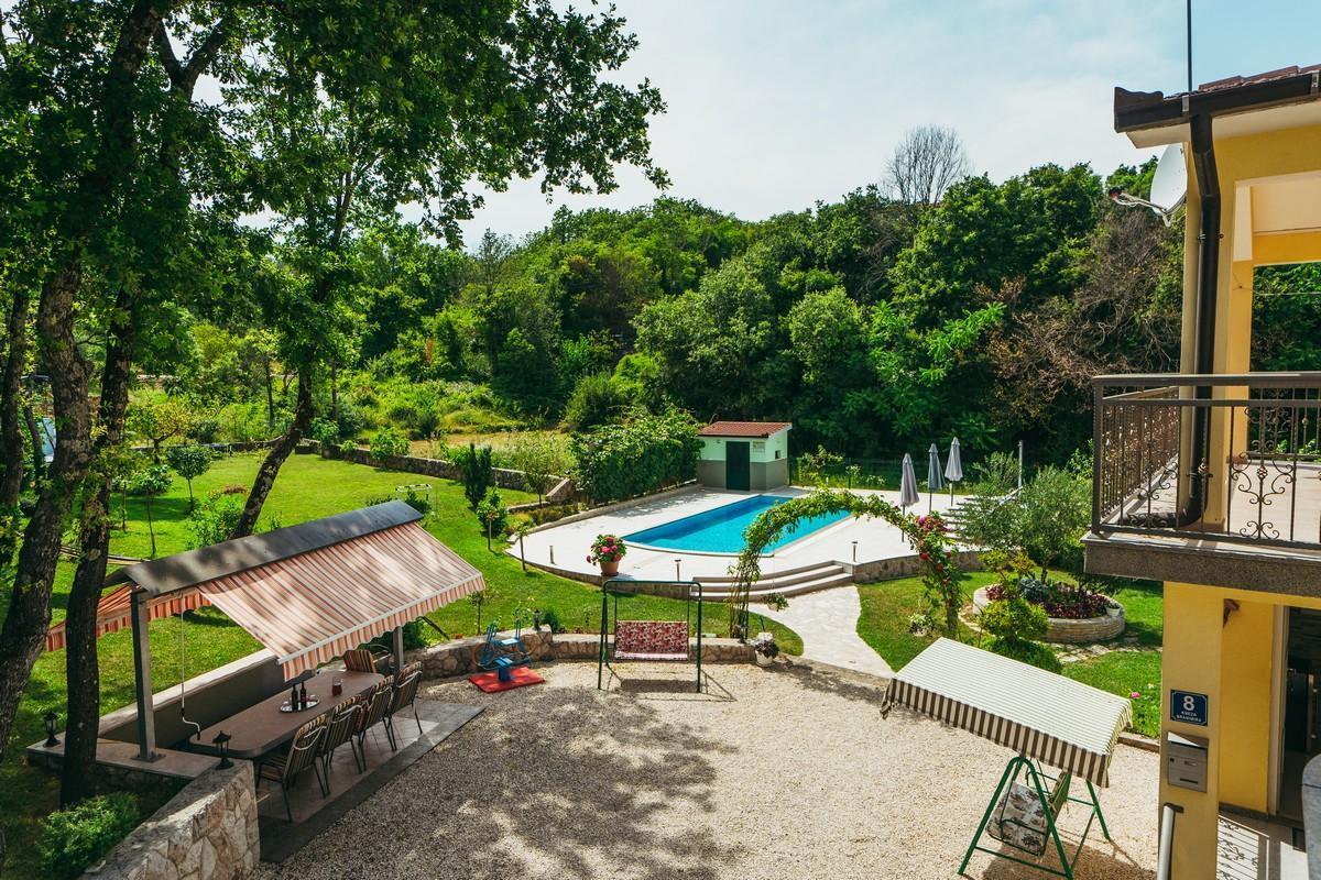 Ferienhaus Familienvilla mit XXL-Pool, Grill, Garten und Spielplatz ganz privat (2573498), Kamenmost, , Dalmatien, Kroatien, Bild 6