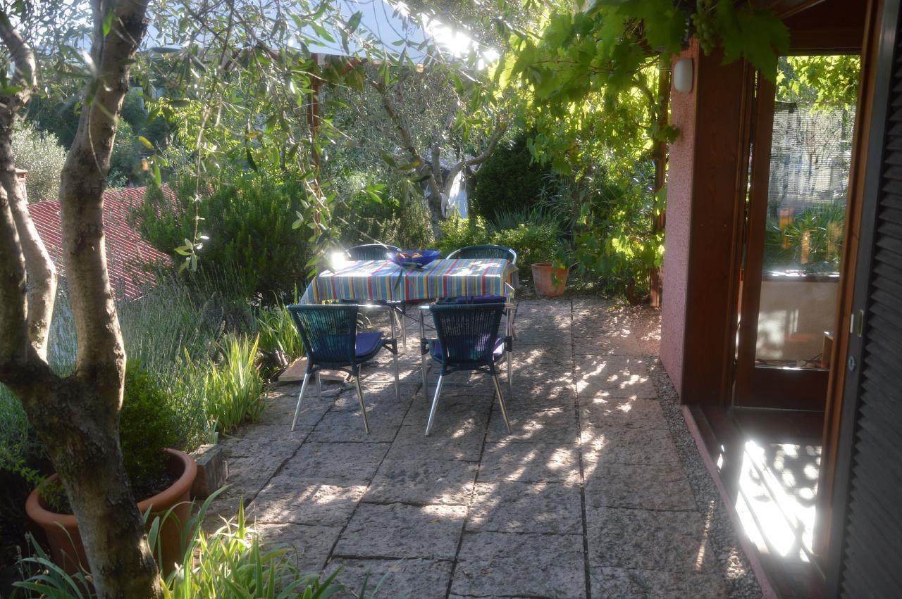 Ferienhaus Bungalow über dem Gardasee mit malerischem Garten,See- und Bergblick (2575328), Gardola, Gardasee, Lombardei, Italien, Bild 15