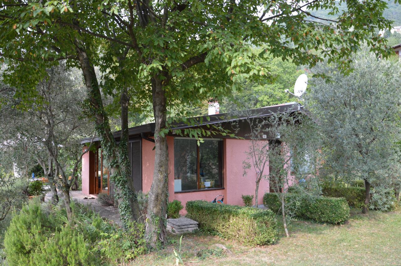 Ferienhaus Bungalow über dem Gardasee mit malerischem Garten,See- und Bergblick (2575328), Gardola, Gardasee, Lombardei, Italien, Bild 18